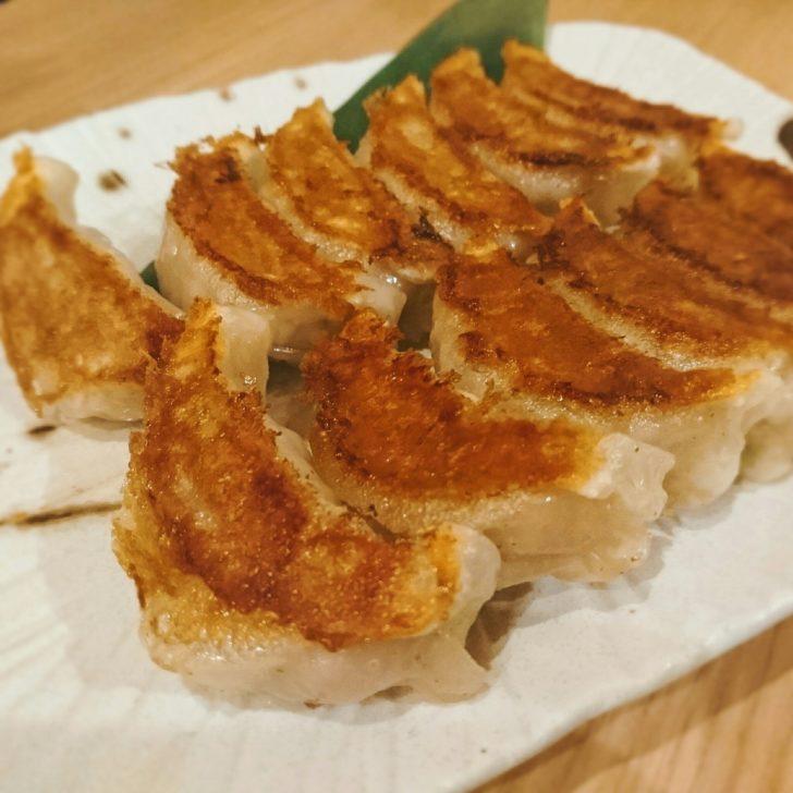餃子王 難波 居酒屋